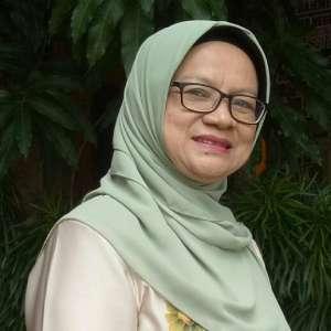 Dra. Dewi Sudiati